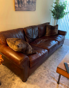 8FT RESTORATION HARDWARE ORIG LANCASTER LEATHER SOFA (CLASSIC)