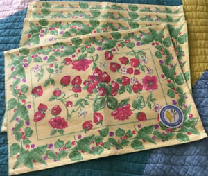 April Cornell Placemats 100% Cotton Strawberry Floral India Set of 4 NWT