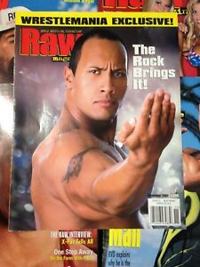 WWF WWE RAW Magazine NOVEMBER 2001 ROCK / Wrestlemania Elusive + Poster