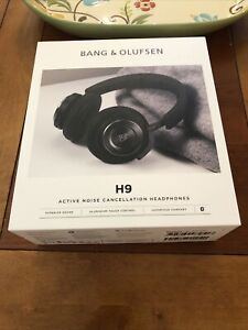 Bang and Olufsen H9 3rd Gen Box with Accesories