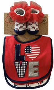 Baby Essentials Girl 0-6 months - 3 Bibs Sock Set Love Stars Hearts US