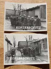 2 altes Fotos Gefangene Zivilisten im Lager 2. WK