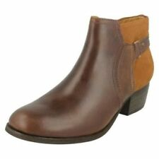 b6349bbb385 Chaussures Clarks pour femme