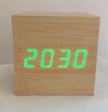 Box-le en bois horloge led-bois avec led verte