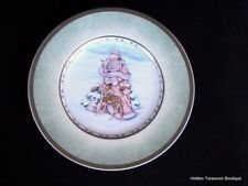 Fitz & Floyd Winter Holiday Santa Salad/Luncheon Plate Green Band/Gold Trim