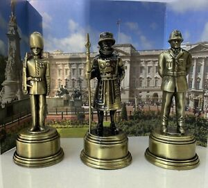 Diecast Metal London Souvenir Beefeater Guard & Policeman Pencil Sharpener Gift