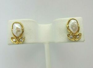 18k Yellow Gold Pearl and Diamond Earrings 0.06 ct Screw Back Small