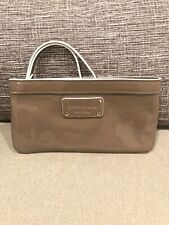Nwot Kate Spade Wristlet Taupe Pantent Leather 8x4 Zippy