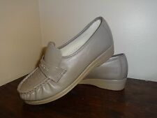 Soft Spots Women's 6.5 Brown Taupe Leather Slip On Loafers Shoes