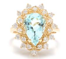 3.85 Carats Natural Aquamarine and Diamond 14K Yellow Gold Ring