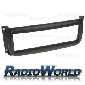Jeep & Chrysler Panel Plate Fascia Facia/ Trim Surround Adaptor Car Stereo Radio