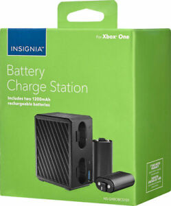 Insignia Battery Charging Station + 2 Rechargable Batteries for Xbox One - Black