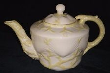 Stunning Belleek New Shell Yellow Teapot w/ 5th Mark (2nd Green) Circa 1955-1965