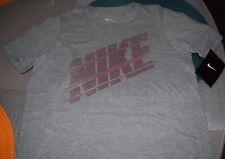 New Boy's Nike Gray T-shirt size Medium
