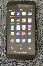 Handy/Smartphone Blackberry Z10 ohne Zubehör kleinere Kratzer funktioniert