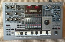 Roland MC-505 Groovebox Synthesizer, Drum-machine, Sequencer, Studio, Live
