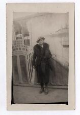 CARTE PHOTO Décor Toile peinte Postcard RPPC 1920 Femme Mode Foururre Bateau Sac