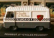 Camions de livraison miniatures blancs 1:43