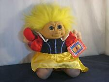"""11"""" RUSS TROLL KIDZ PLUSH YELLOW HAIRED SNOW WHITE HAS HER RED APPLE & TAG W530"""