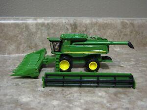 Ertl 1/64 John Deere 9670STS Combine Farm Toy Duals