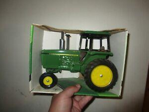 NIB Ertl 1/16 John Deere 4255 Row Crop Tractor Made in USA NOS