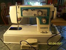 Vintage Heavy Duty Dressmaker 7000 Sewing Machine Zig Zag Embroidery Upholstery