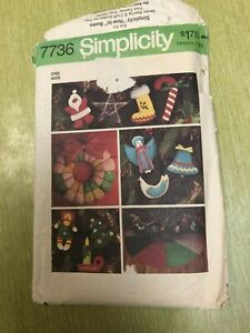 Simplicity sewing pattern 7736 Christmas ornaments tree skirt vtg 1976 uncut