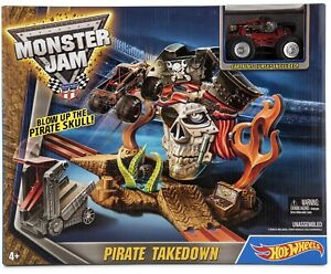 Hot Wheels Monster Jam Pirate Takedown - Captains Curse Car Included