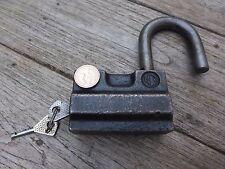 Lucchetto vintage con 2 chiavi di lavoro, pesante, molto solida Lucchetto, design unico.
