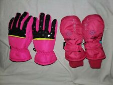 Girls snow gloves and mittens sizes xs-s ,s-m excellent condition. Thinsulate