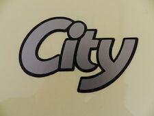"""Schriftzug """"CITY""""  silber/schwarz Corsa A ORIGINAL OPEL 171312"""