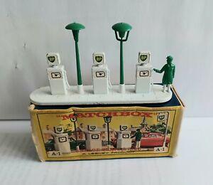 Matchbox A-1 GARAGE PUMPS ASSACCORRY PACK 1
