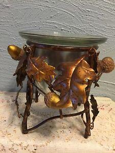 Metal leaf sculpture candleholder