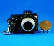 Takara Tomy Pentax Camera Figure Keychain Decoration 1:3 K-7 Black Model A537