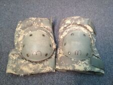 ACU DIGITAL CAMOUFLAGE MILITARY ISSUE KNEE AND ELBOW PAD COMPLETE SET MEDIUM