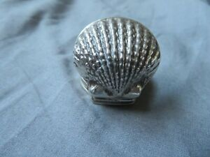 FINE SOLID STERLING SILVER HALLMARKED NOVELTY OYSTER SHELL SNUFF BOX / PILL CASE