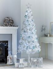 NEW CHRISTMAS WHITE 6 FOOT TALL TREE APPROXIMATELY 410 TIPS HANGING SPACES