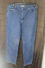 Women's Lee Relaxed Straight Leg sz 14 M Dark Wash Studded Pocket