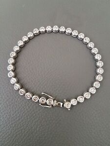 Stunning!! Real diamond tennis bracelet 14ct White Gold 2.16crt of diamonds