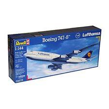 04275 - Revell Boeing 747-8 Lufthansa
