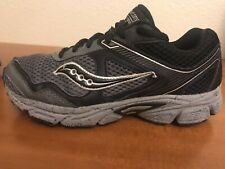 ~Great Condition~ Boys Saucony Athletic Shoes: Black (3.5Youth)