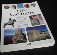 Julie Roux: The Cathars. MSM, 2006. Softcover.