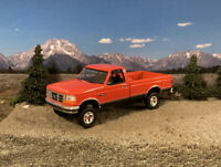 1992 Ford F-150 4x4 Truck Lifted 1/64 Diecast Customized Off Road 4WD Pickup