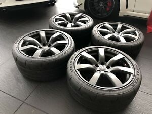 GENUINE NISSAN   GT-R R35  Alloys And Tyres - In Excellent Condition .