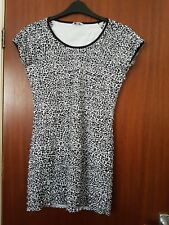 Ladies Top size 12 (approx)