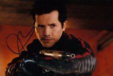 JOHN LEGUIZAMO signed Autogramm 20x30cm LAND OF THE DEAD In Person ROMERO w COA