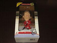 1998 HEADLINERS XL STEVE YZERMAN HOCKEY FIGURE DETROIT RED WING NHLPA JERSEY
