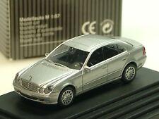 Wiking Mercedes E-Klasse, silber, dealer model - PC 1332 - 1/87