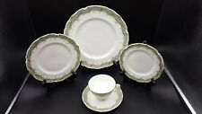 Royal Doulton Fontainebleau-Green 5 Piece Place Setting(s) Excellent