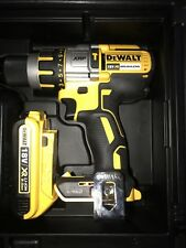 DEWALT DCD-995XE BRUSHLESS COMBI HAMMER DRILL AND 2AH BATTERY W GUAGE & HD CASE